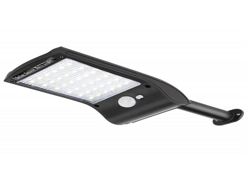 Светодиодный светильник Luxel на солнечных батареях с датчиком движения IP65 18W (SSWl-04C)